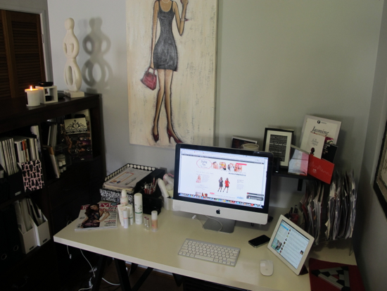 Where the Styling You magic happens ... if I'm not distracted by what's on TV or blogging from my hammock