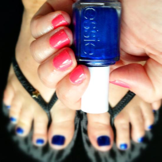 Toes: Essie Aruba Blue | Fingers: CND Shellac Tropix