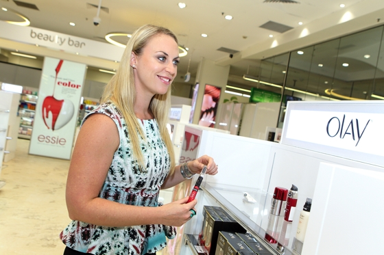 Yesterday, Woolworths launched the first of its Beauty Bars at this store and it has added a whole new dimension to the concept of supermarket beauty shopping.  A whole new, exciting concept.