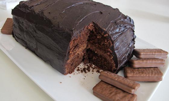 Tim Tam Cake (recipe via Raspberri Cupcakes)