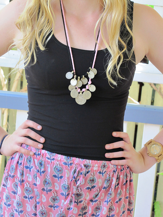 What to wear to university: Country Road tank | Bohemian Traders Poppy Pant and necklaces | Havaianas thongs | WeWood watch