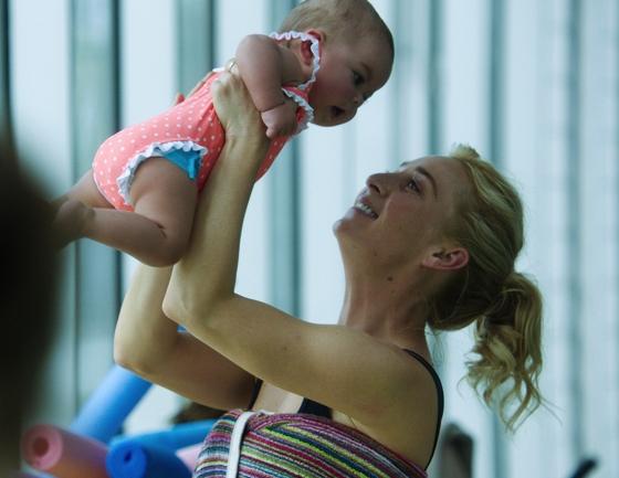 Baby Zoe Proudman-Reid and Nina Proudman (Asher Keddie)