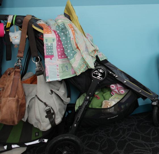 Nina Proudman Baby Jogger City GT stroller | Noosa Amsterdam shopper bag