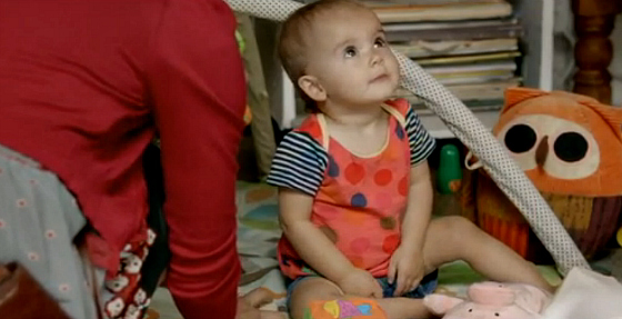 Isabelle playing Baby Zoe in Offspring Season 5 Ep13