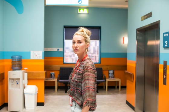 How to dress like Nina Proudman | Offspring Series 6 Ep 2 | Photo Channel Ten