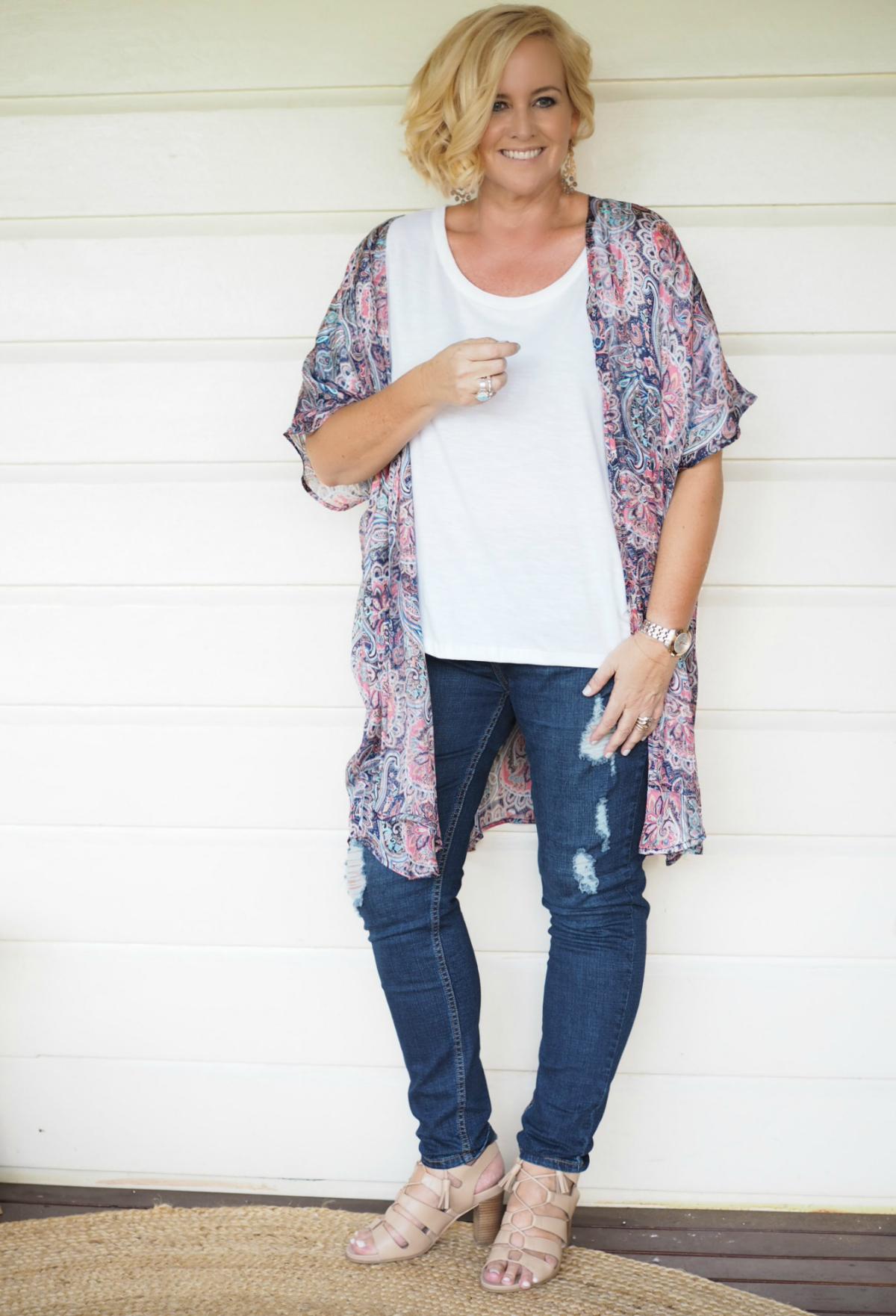 Iland Co kimono (medium) | Sassind tee | Bohemian Traders jeans | FRANKiE4 Footwear EMMA heels