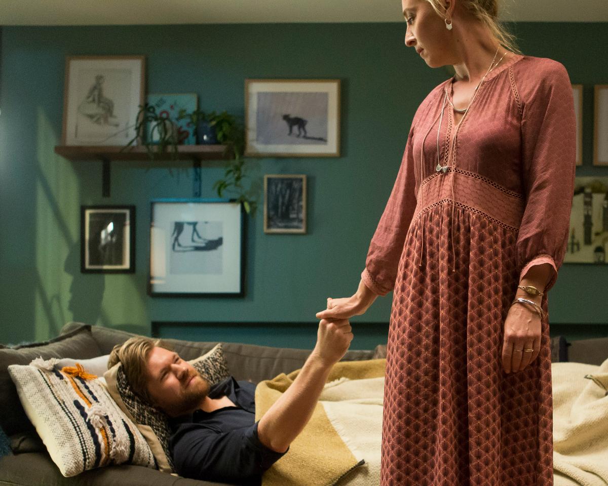 Offspring's costume designer talks Nina Proudman style for season 7 | Asher Keddie wears Catherine Murphy dress and Linda Tahija jewellery