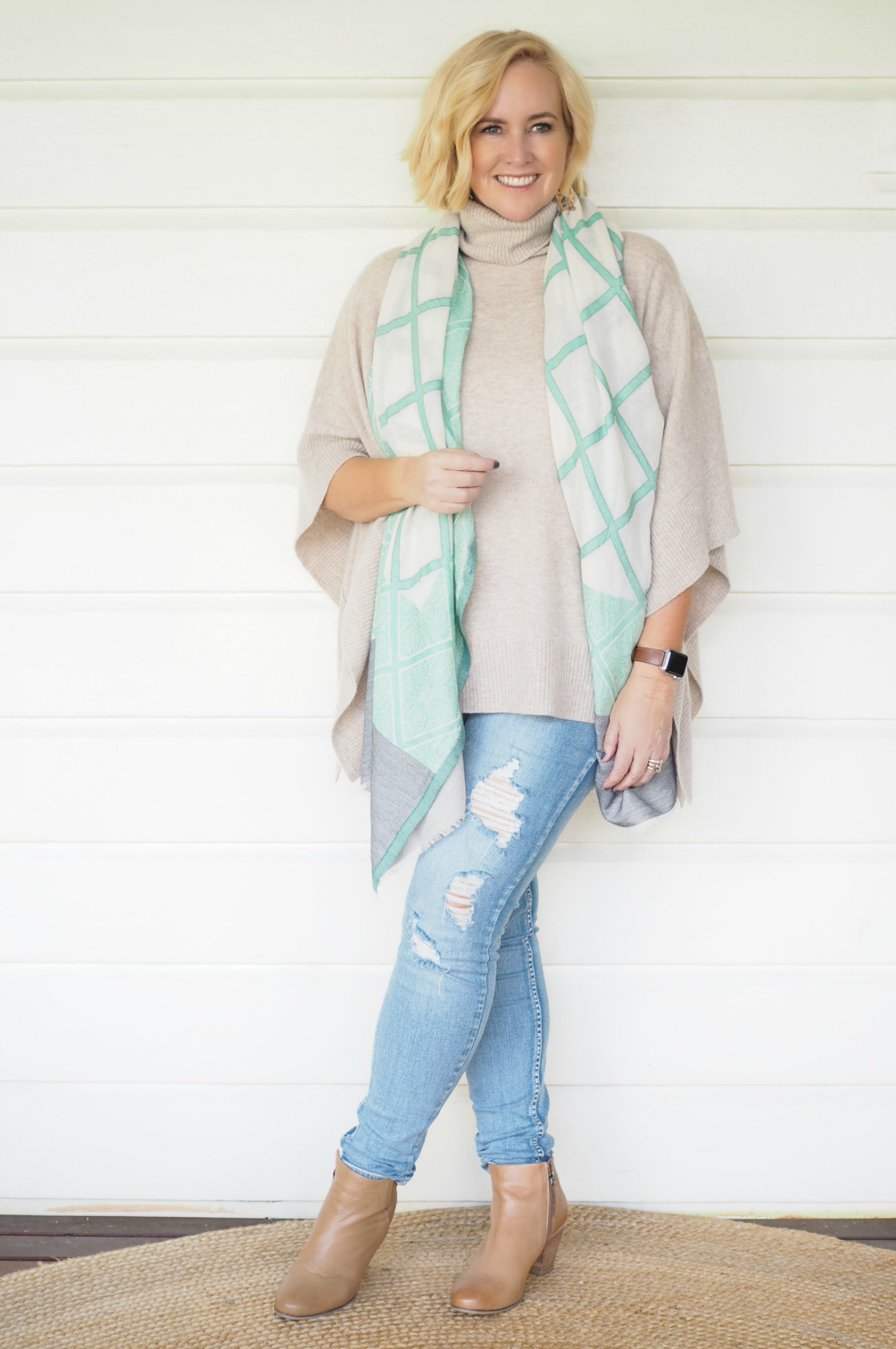 Sassind poncho and scarf   Bohemian Traders jeans   FRANKiE4 boots
