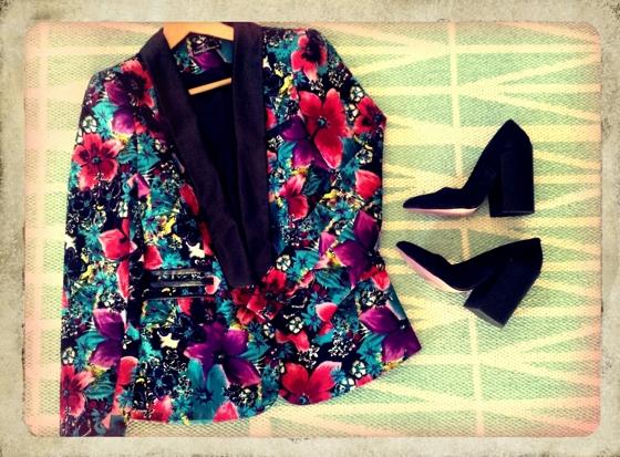 Floral blazer | black column heels